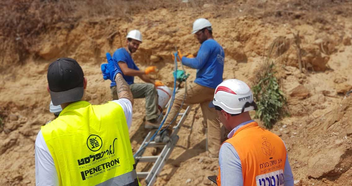 Thanks to MC-Montan Injekt DS, the fine sandy subsoil in Rishon LeZion was successfully consolidated, enabling the sewage pipe to be re-laid and stabilised.