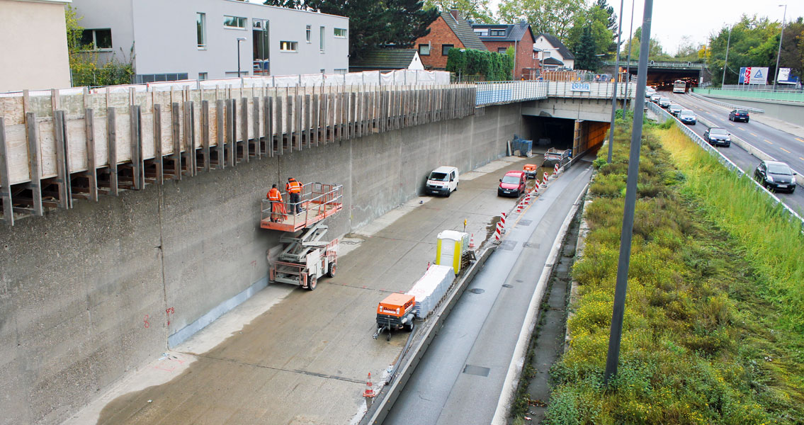 Repair works in the road tunnel in Cologne-Kalkar.