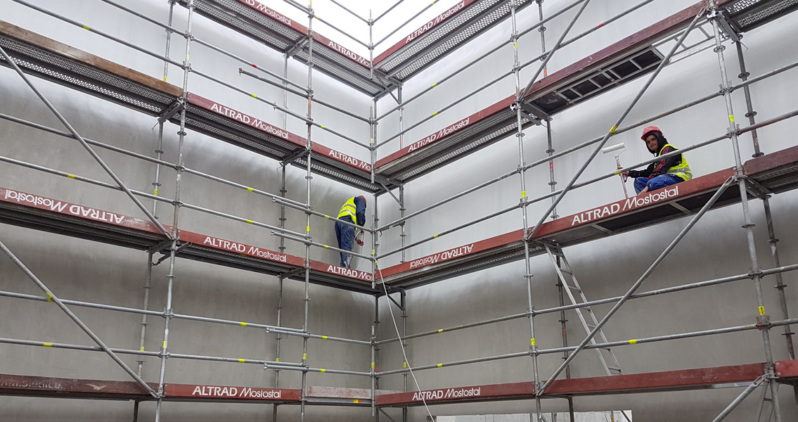 The flagship Mlekovita II project: The walls and ceilings of this ultra-modern milk powder factory are protected with the high-performance coating Emcephob LE.